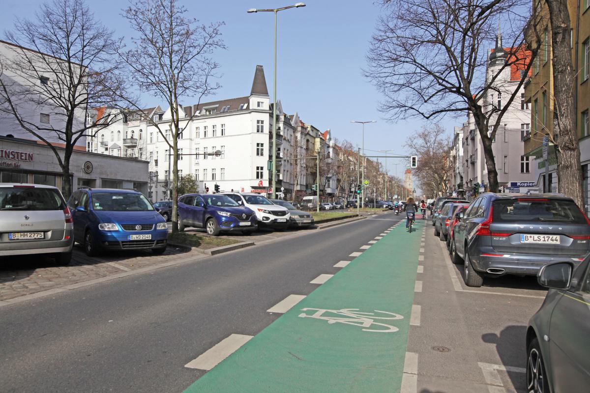 Straßenansicht | Rheinstraße