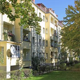 Wohnungen mit Balkon zum Hof