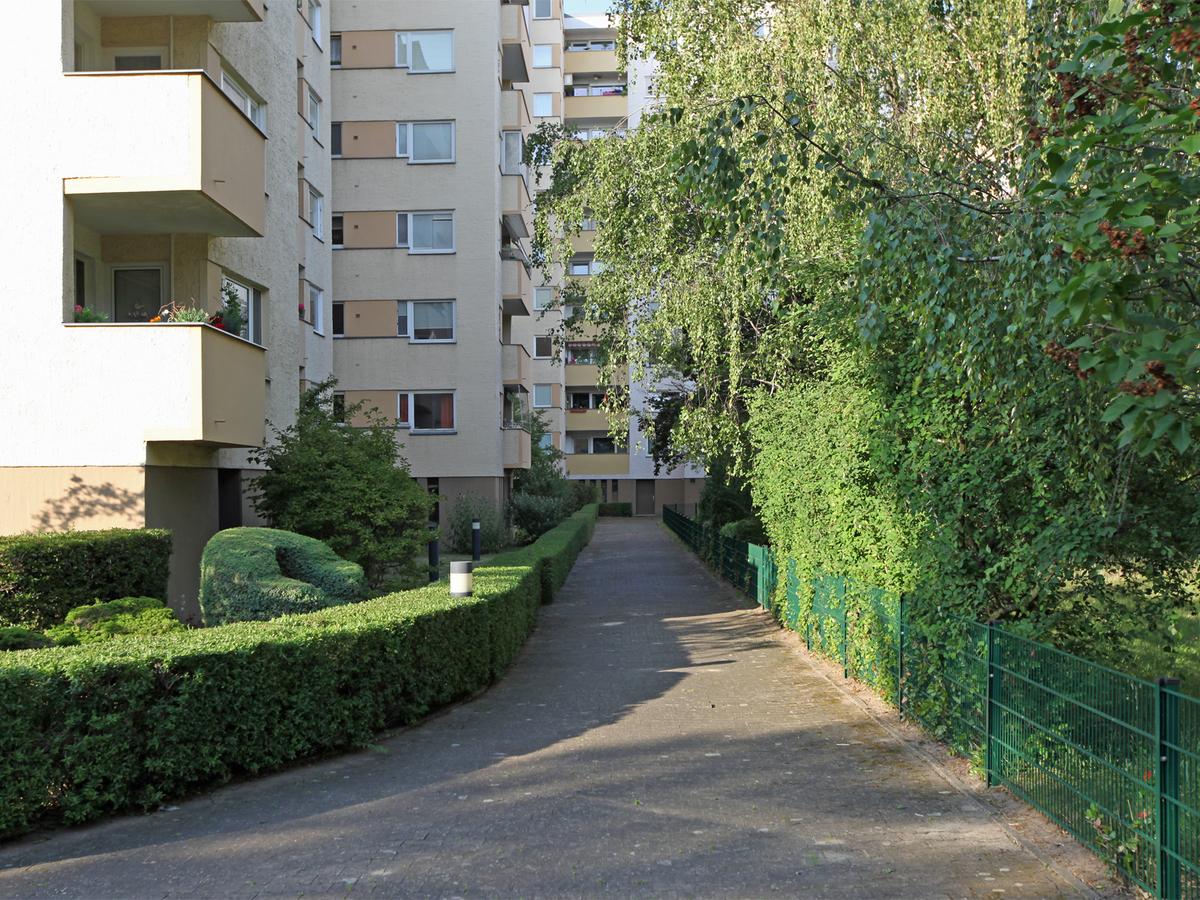 Gepflegte Grünanlagen | Celsiusstraße
