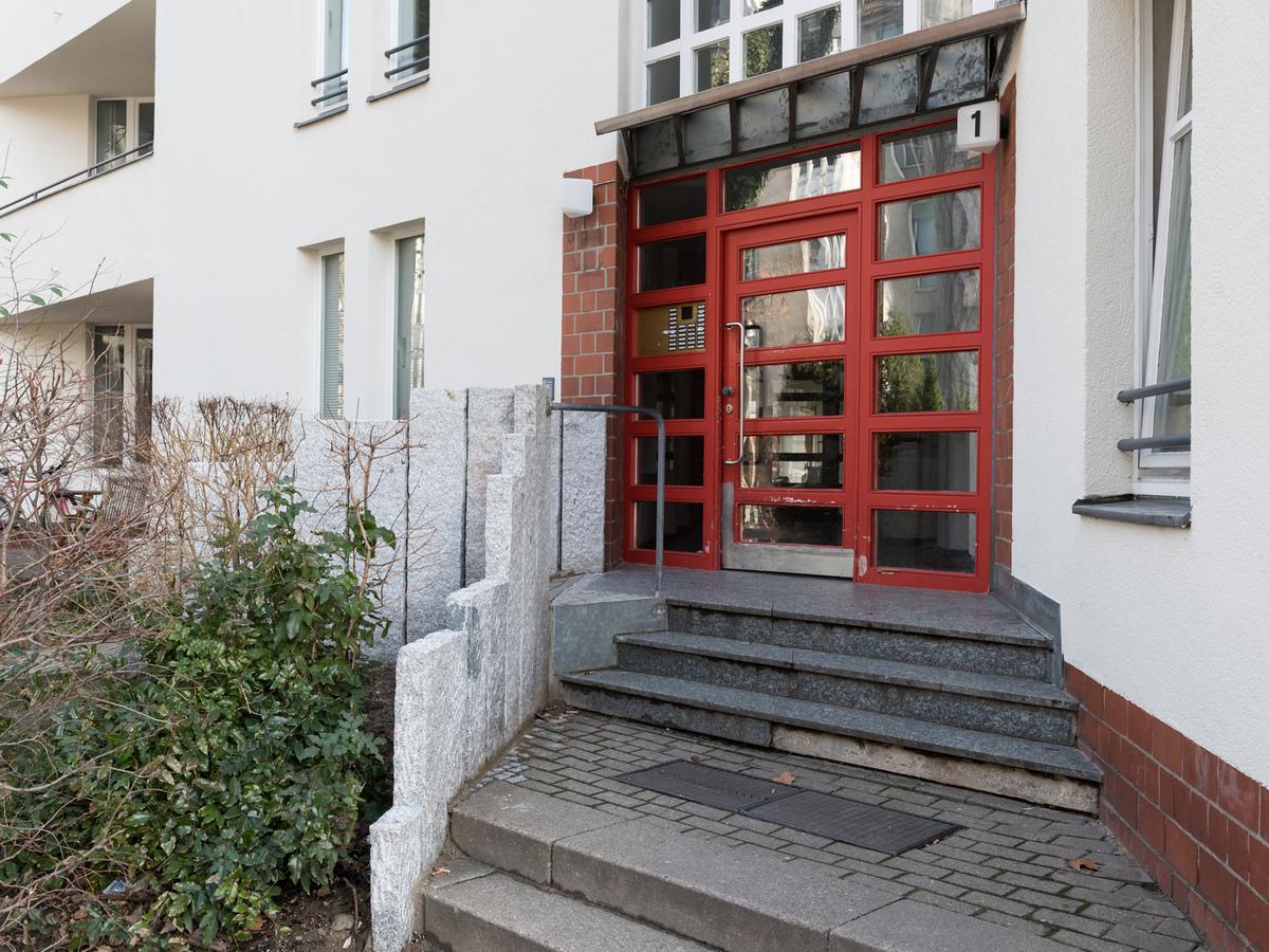 Building entrance   Flotowstraße
