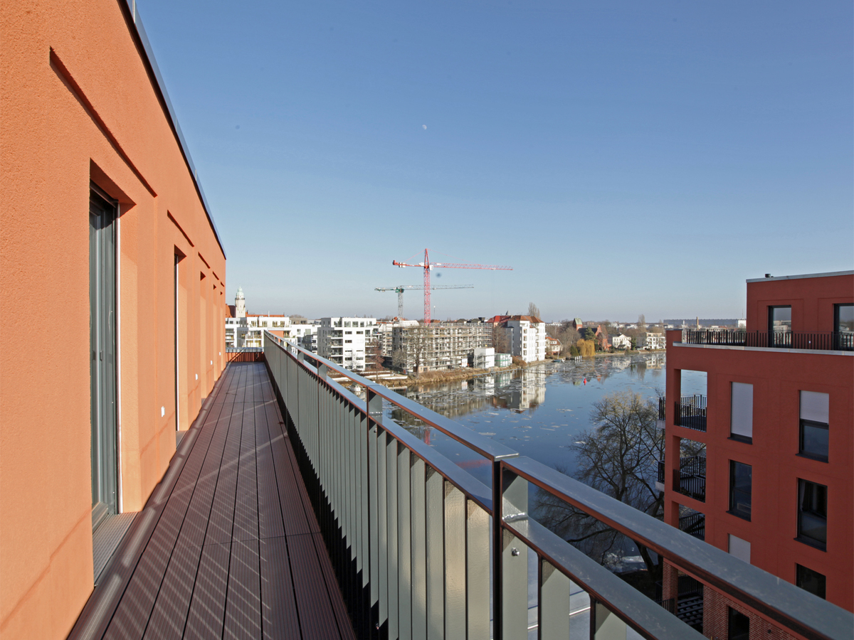 View with all around terrace | Ottomar-Geschke-Straße