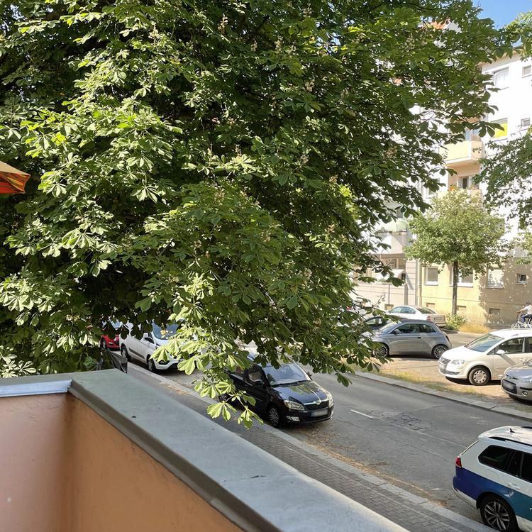 Berlin-Steglitz: Bezugsfreie Vorderhauswohnung mit Balkon