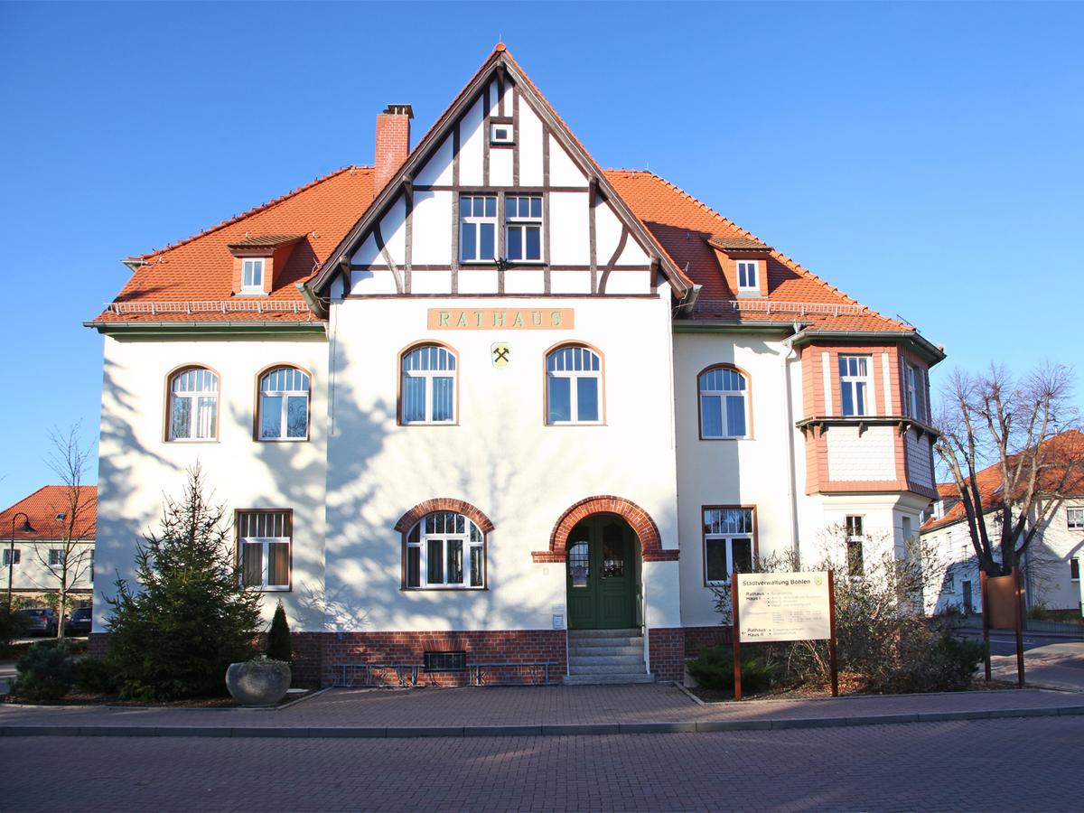 Rathaus Böhlen | Straße der Einheit