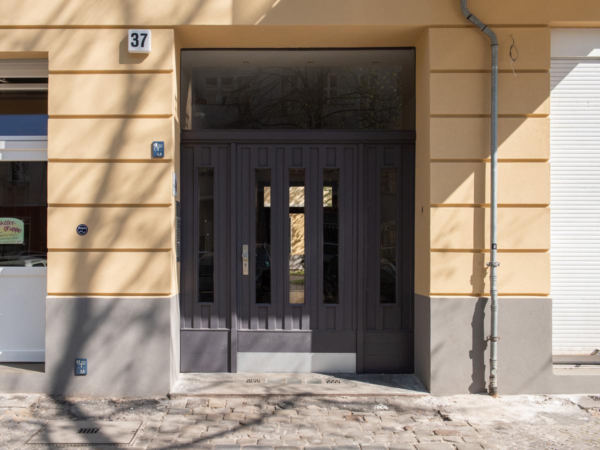 Hauseingang | Reuterstraße