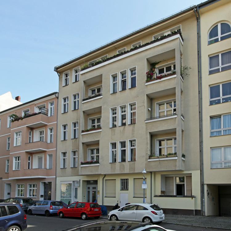 Zwischen Ku´Damm und Kantstraße: Renovierungsbedürftige 2-Zimmer-Wohnung mit Balkon