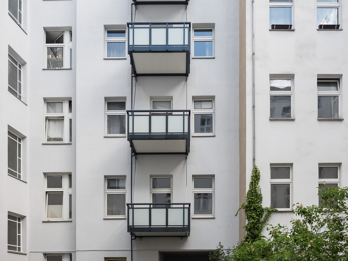 Inner Courtyard with balconies | Erasmusstraße